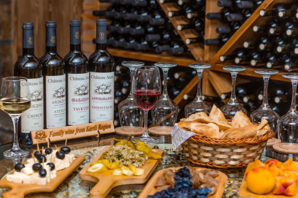 Wein und Essen kombiniert