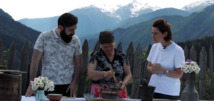 Videoprojekt über die regionale Küche Georgiens, Kochen fürs Videoprojekt