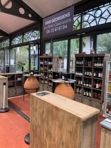 Georgische Weine an der Côte d'Azur, in Cannet